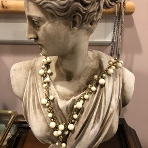 Lucky Brand beautiful pearl style necklace